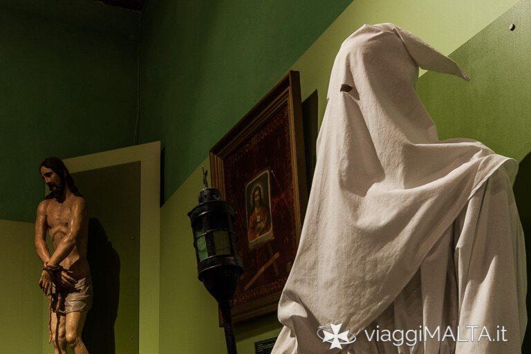 Abito del penitente nel Palazzo inquisitore a Birgu