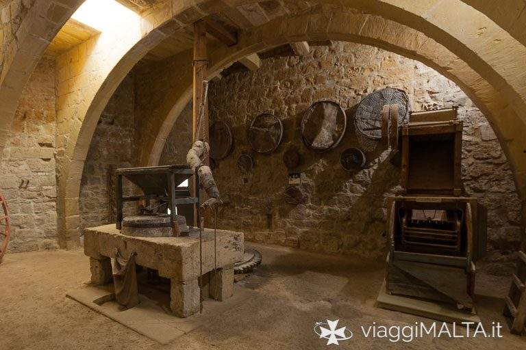 esposizione al piano terra della Casa Storica del Gran Castello, nella Cittadella a Victoria