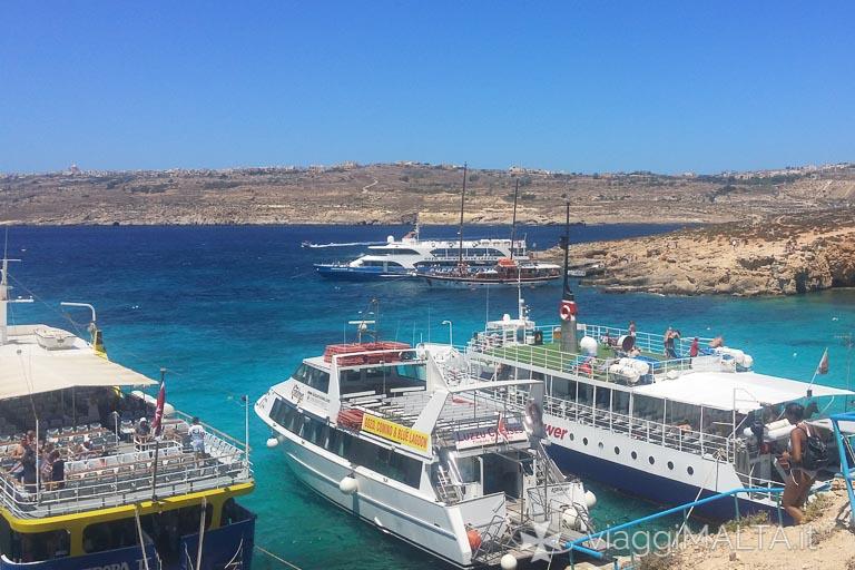 ferry a Comino