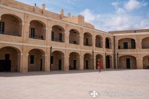 Cortile interno di Forte Sant'Elmo a Valletta