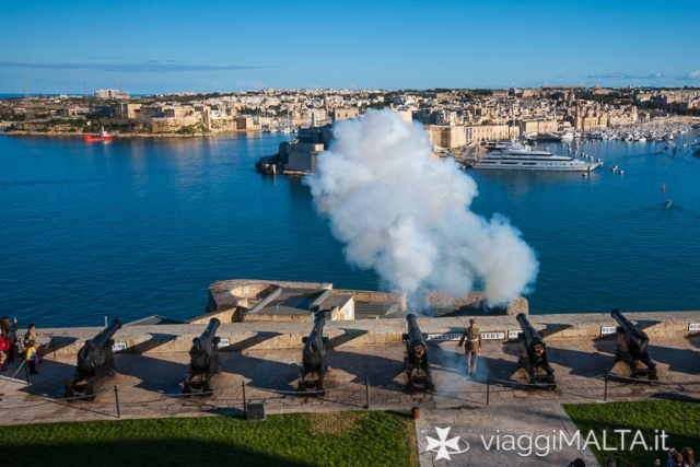 cannonata sparata dalla saluting battery a Malta