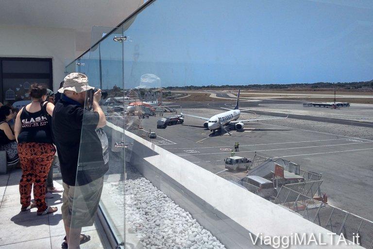 panorama dalla terrazza dell'aeropoerto di Malta