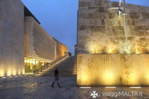 Passeggiata a Valletta di sera