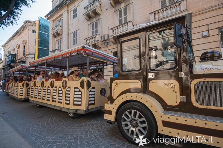 trenino turistico a Valletta
